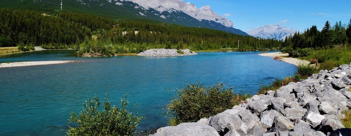 Find Places to Stay in Canmore on Airbnb