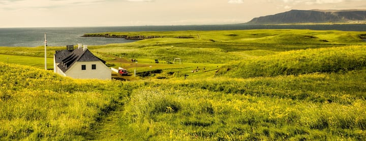 Find Places to Stay in Grindavik on Airbnb