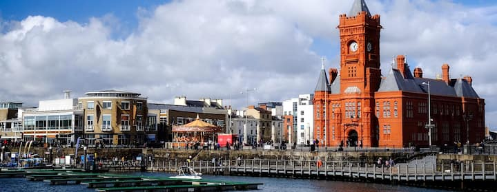 Find Places to Stay in Cardiff on Airbnb