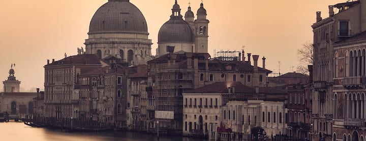 Find homes for Workshop Fotografico a Venezia on Airbnb