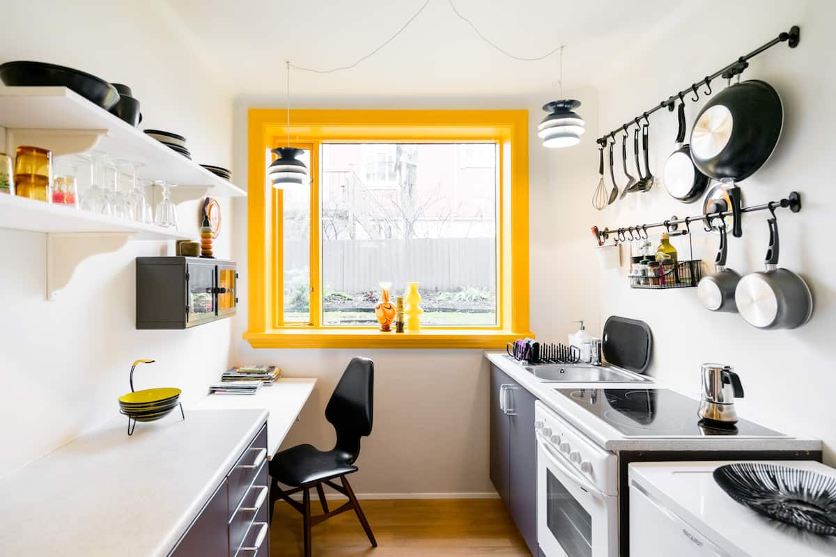 Unique Retro Design Apartment Downtown