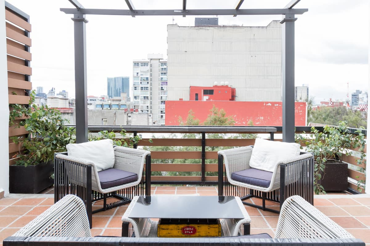 Refined Penthouse with a Roof Terrace in La Condesa