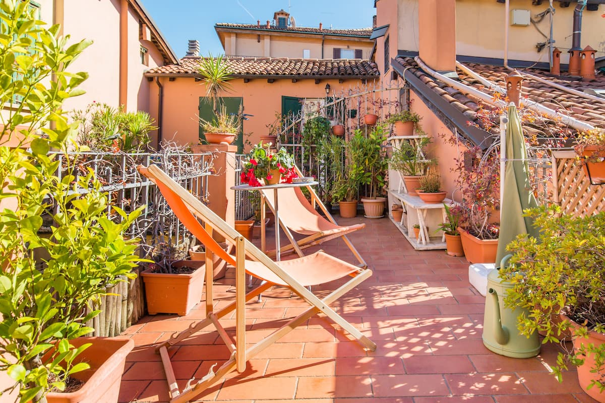 Beautiful loft with terrace near Piazza Maggiore