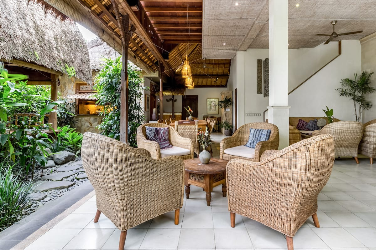 Romantic Suite in Boutique Guesthouse Set in Lush Gardens