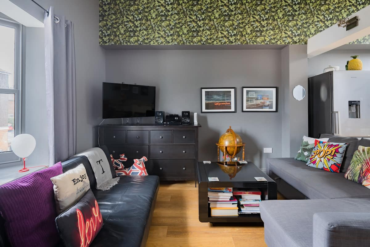 Gorgeous Eclectic Loft Just a Stroll from the Beach