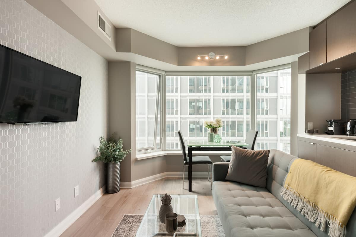 Hotel Style Executive Yorkville Suite