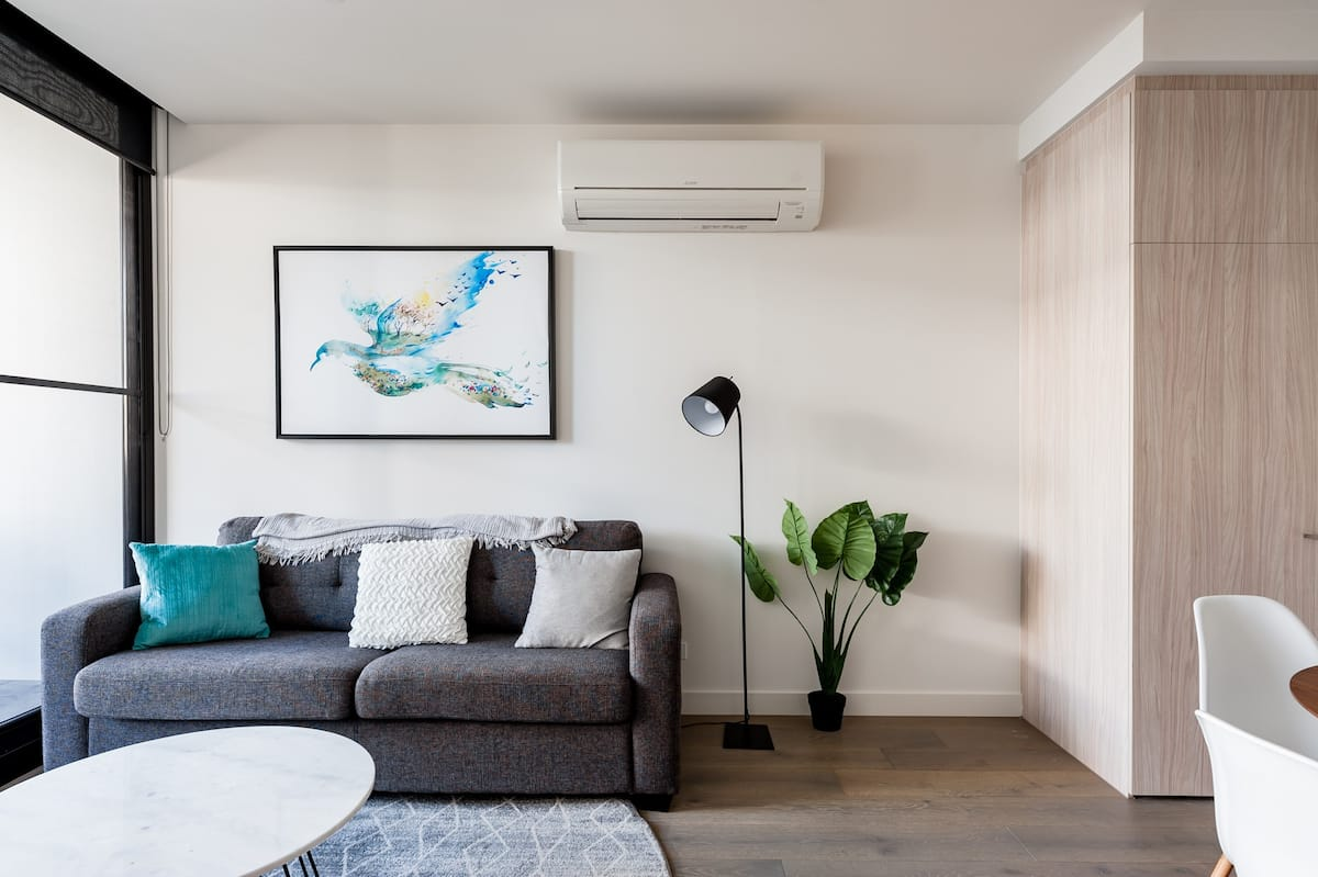 Chloe Serviced Apartment in Box Hill Quiet Street