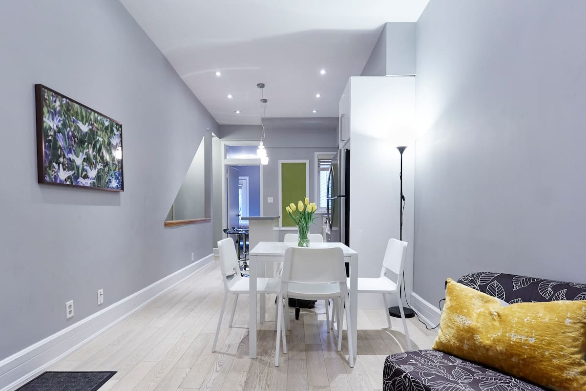 Garden Suite Apartment near Trinity Bellwoods Park