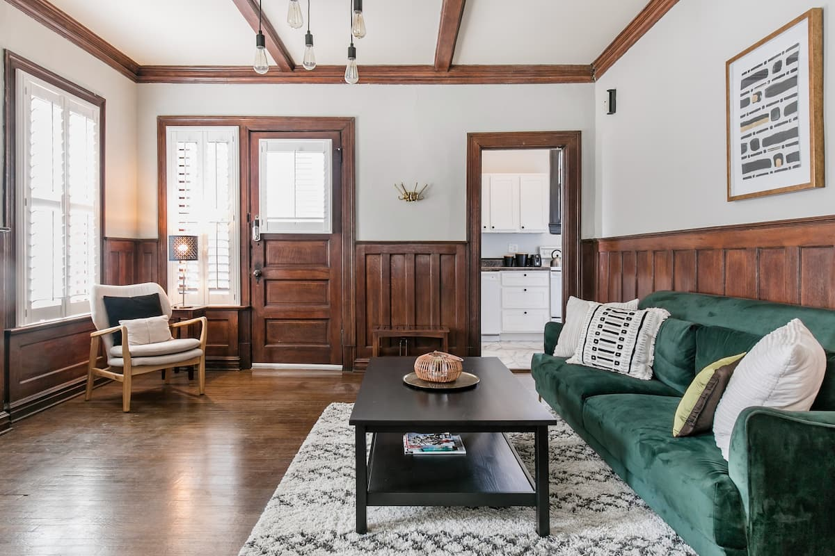 Comfortable Elegance in the Heart of the Central West End