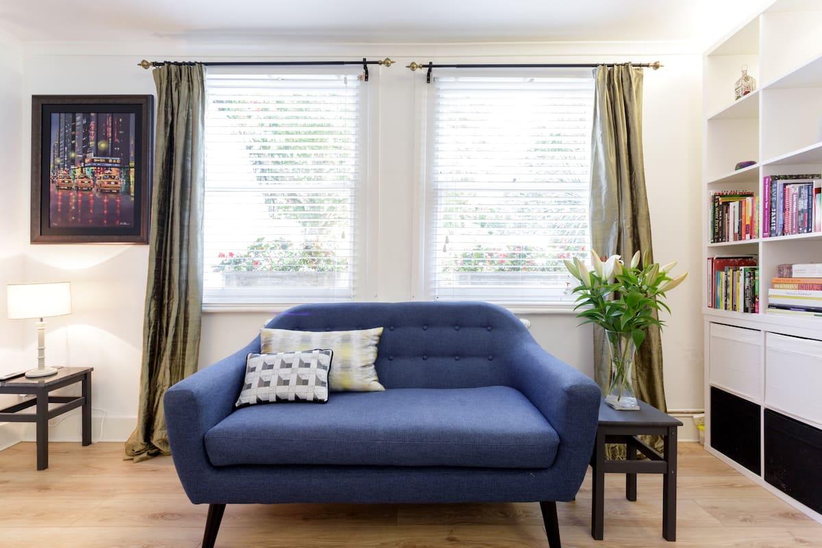 Elegant Flat in Refurbished Victorian Home with Garden
