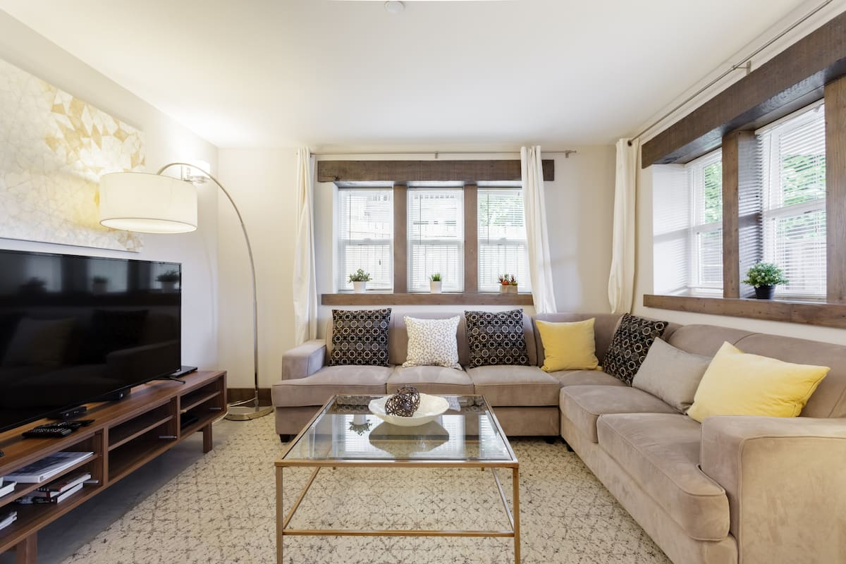 Remodeled Victorian Apartment in Pike Pine