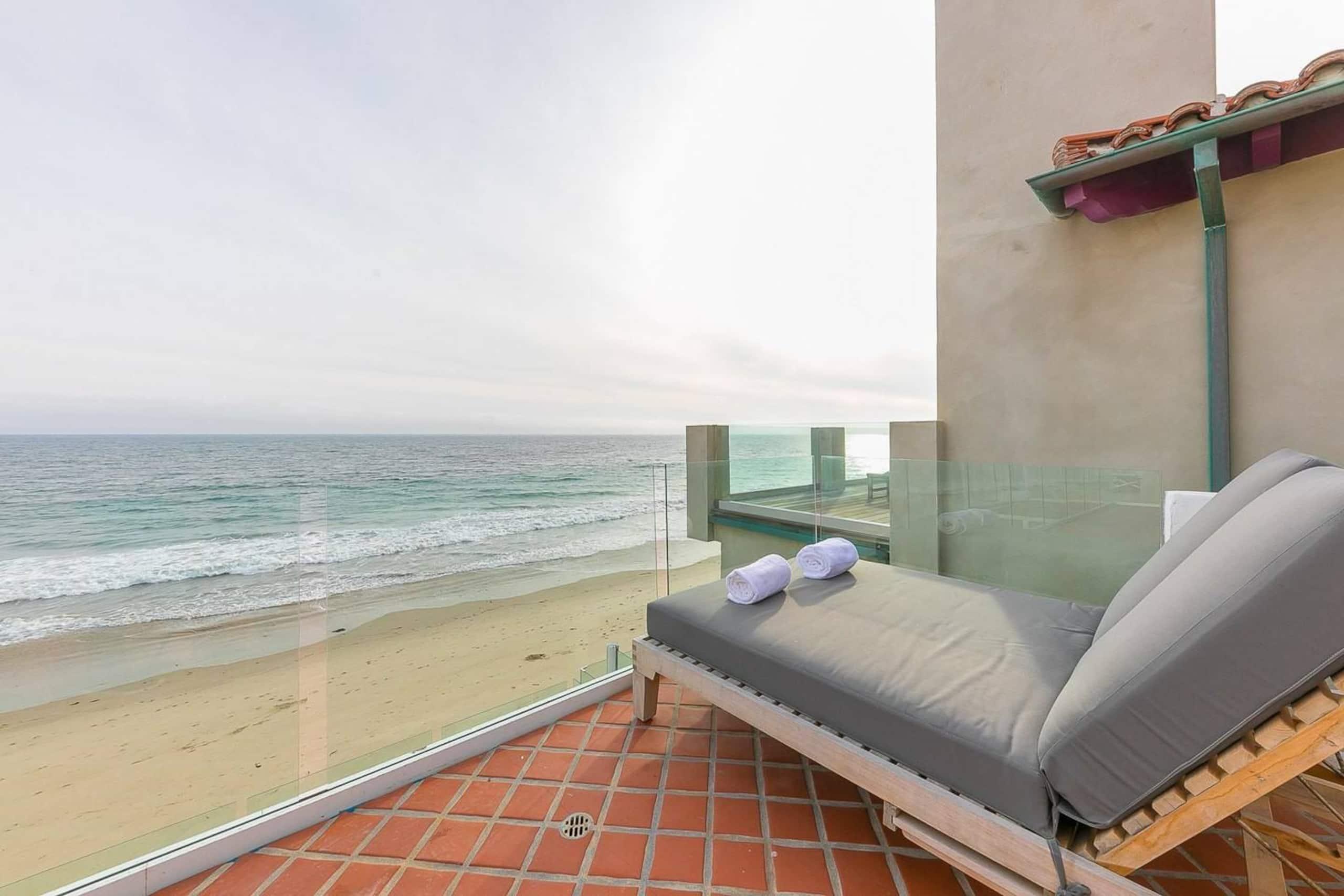 Apartment Villa Shawaiz - Beachfront Villa with 5 beds  photo 20334295