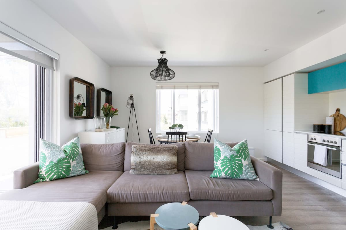 Green Point Gem, Light & Sunny. Available for Long Term Rent.