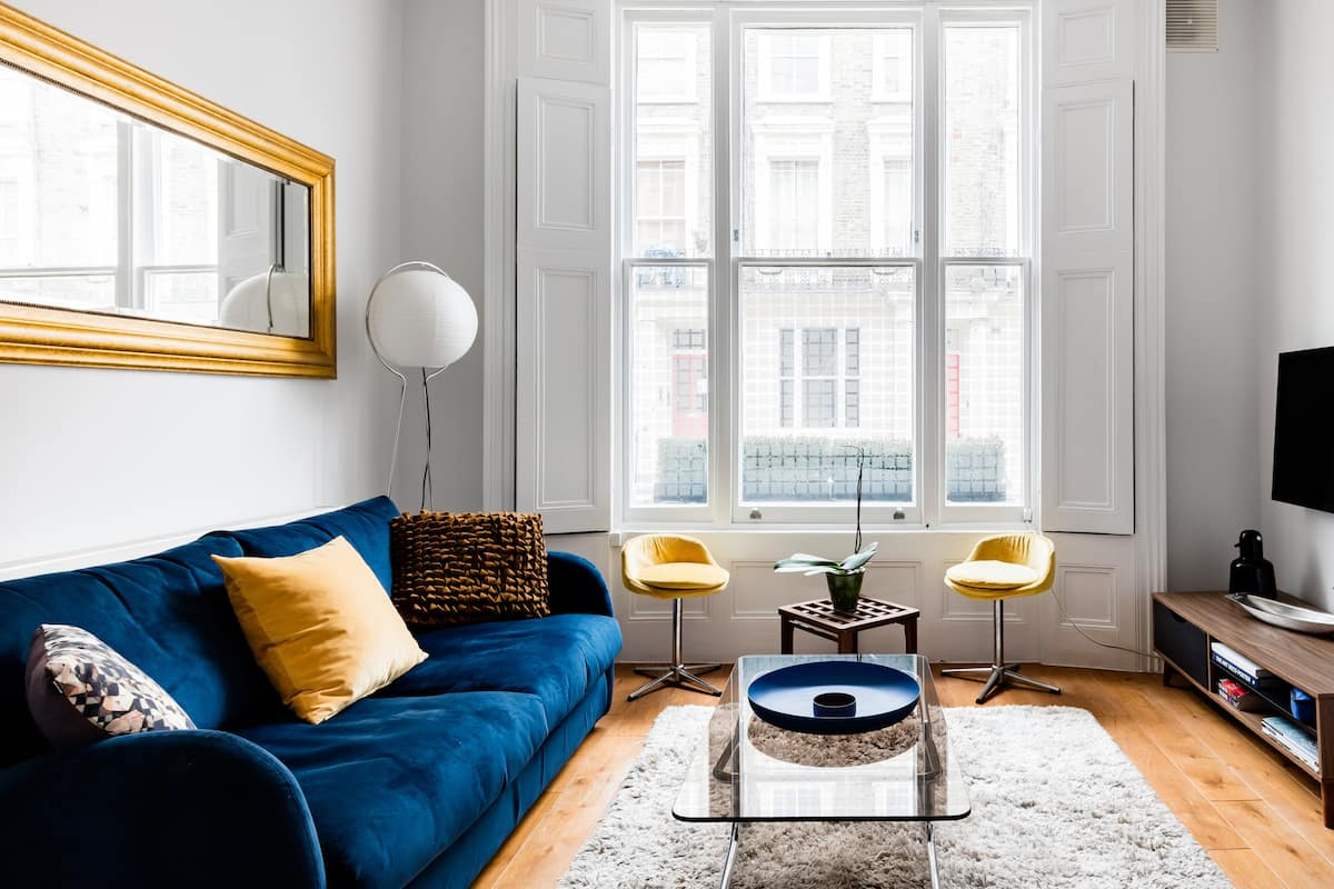Explore Notting Hill from an Elegant Apartment