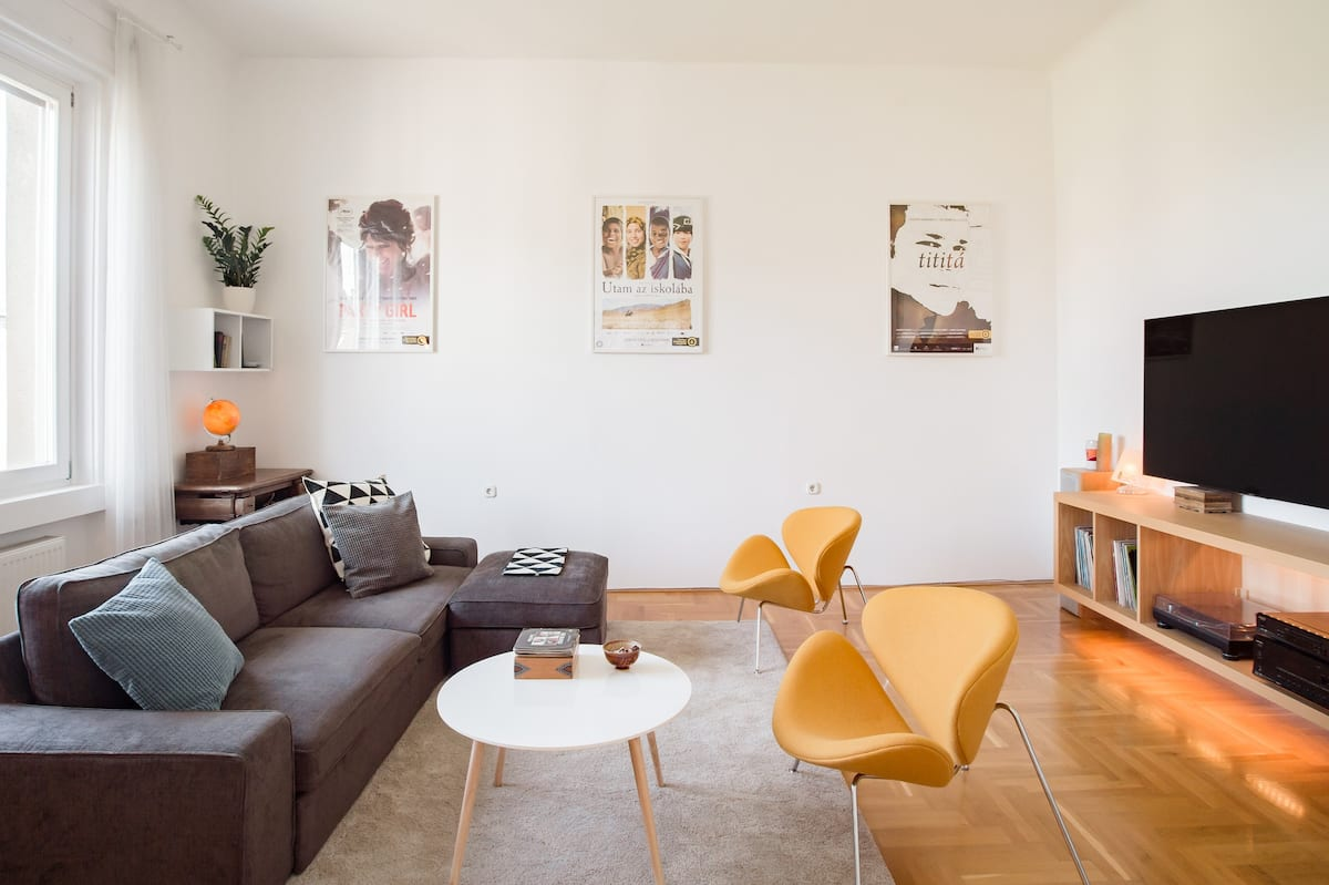 Buda Best, Top Floor Chic Apartment in Central Budapest