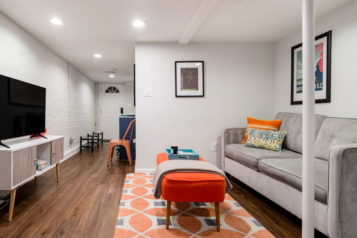 Elegant English Basement Apartment in Columbia Heights