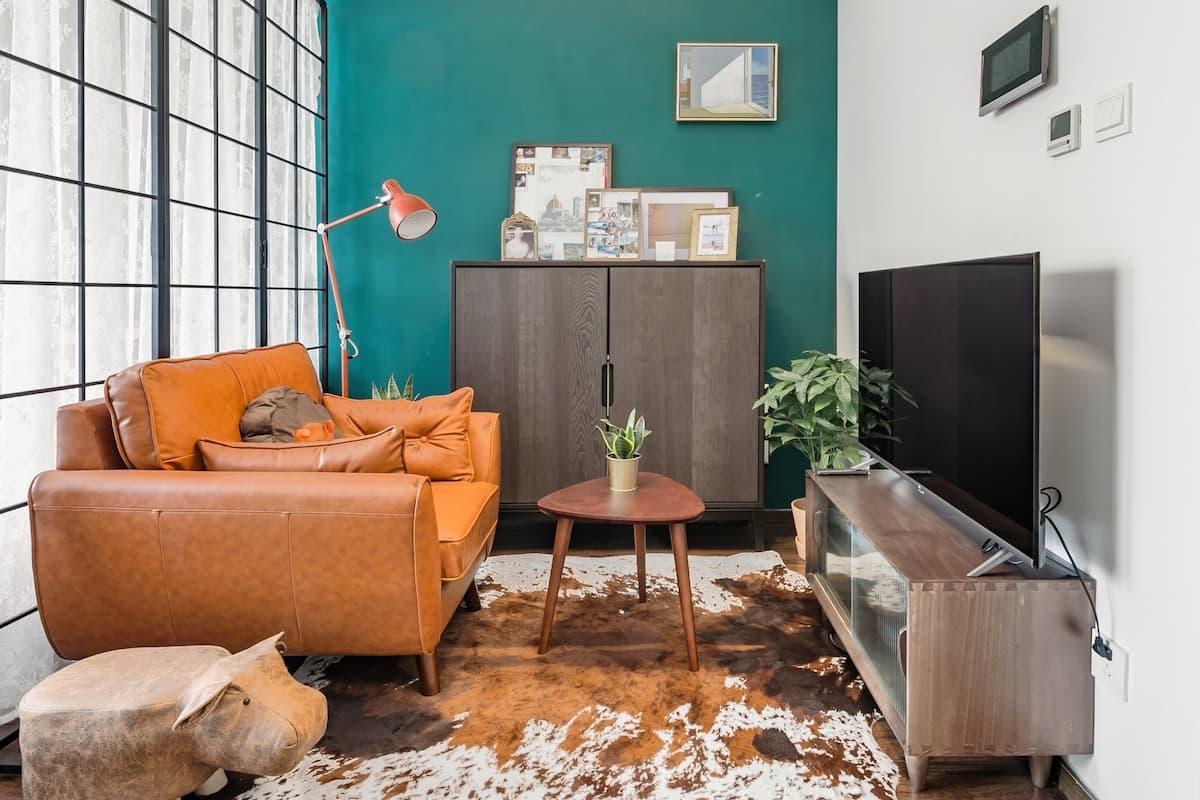 入住地铁口孔雀绿的欧式公寓,来感受自然纯朴的草原气息