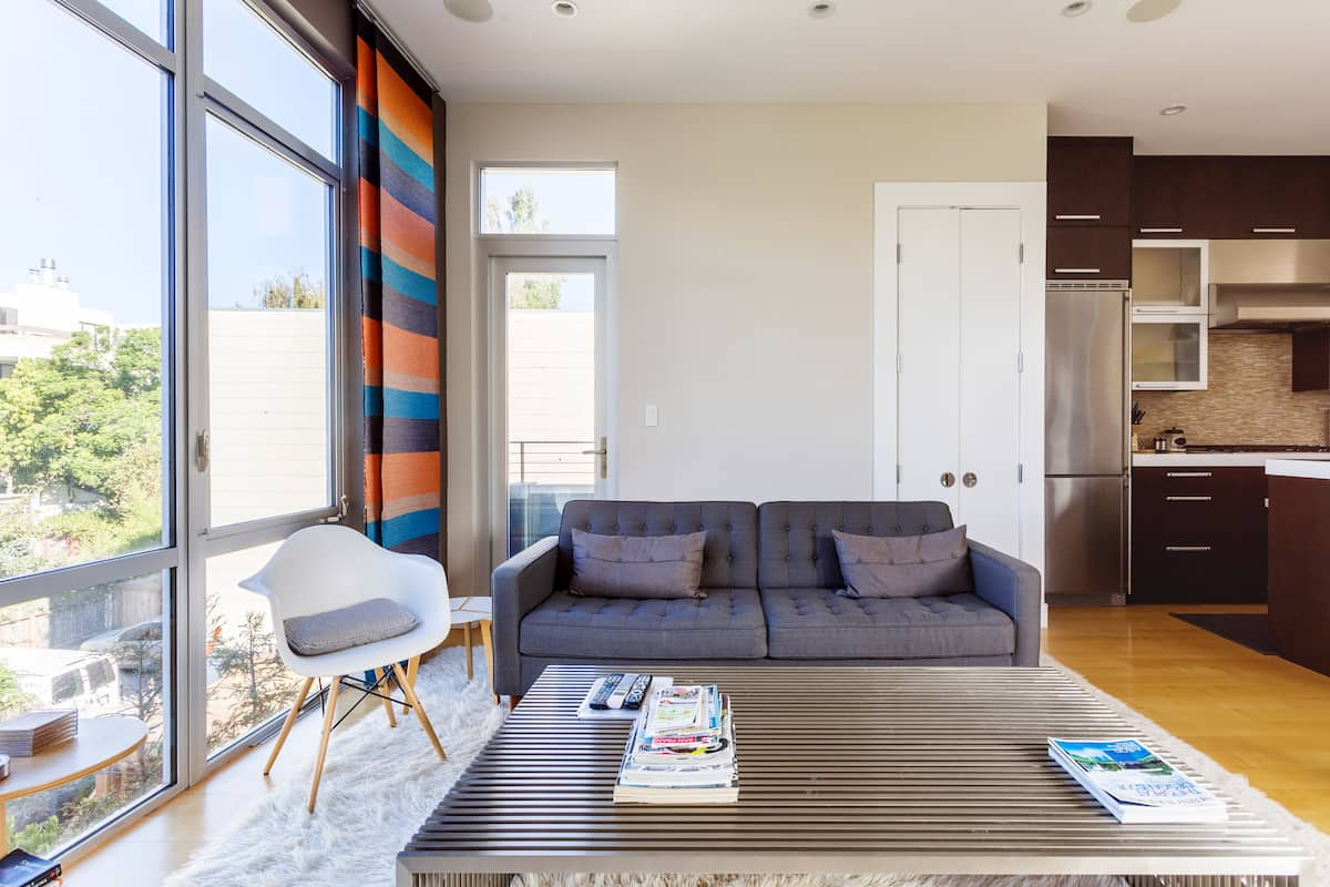 21st-Century Castro Bordering Apartment With Roof Deck