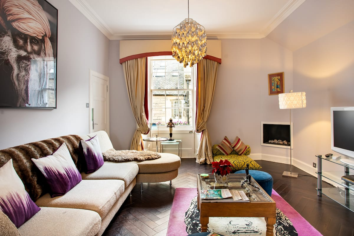 Charming Historic Mews House in the West End