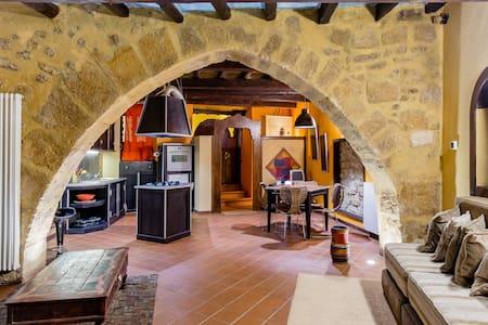 Magico e suggestivo appartamento con dettagli ultra ricercati in pieno centro