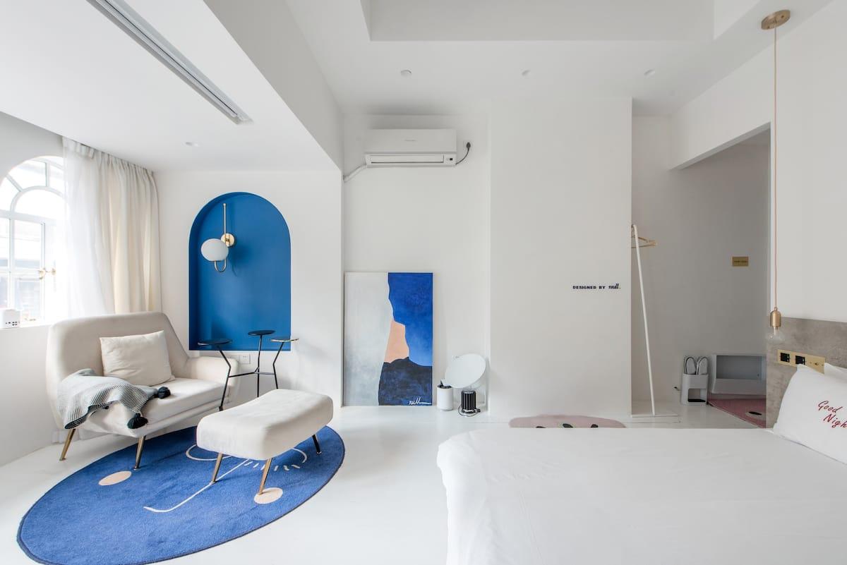 『桃之』靠近思南公馆新天地,设计简约独特大床房