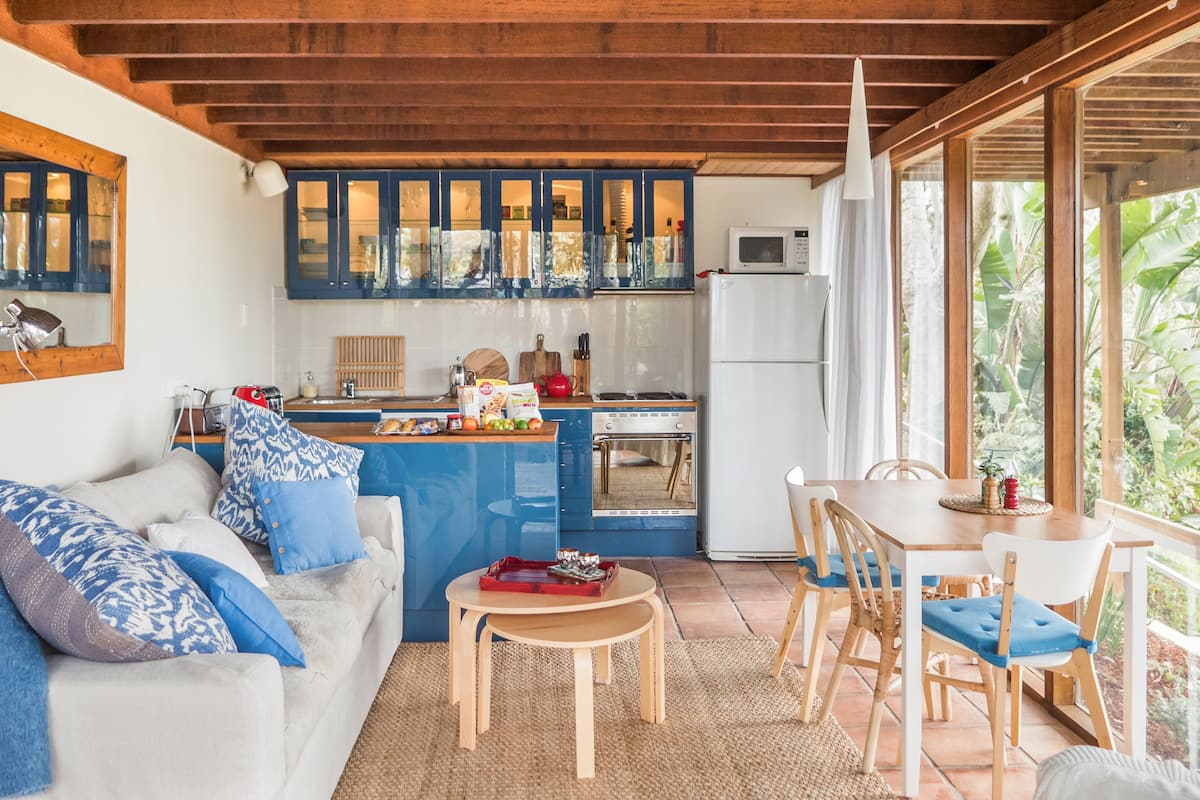 Whale Beach Escape Apartment with Leafy Ocean Views