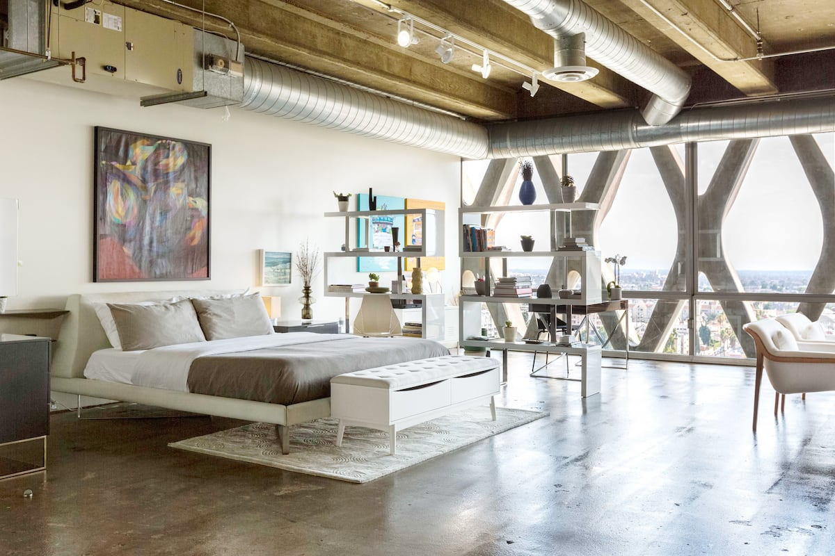 Stylish Artist's Loft with Stunning Views