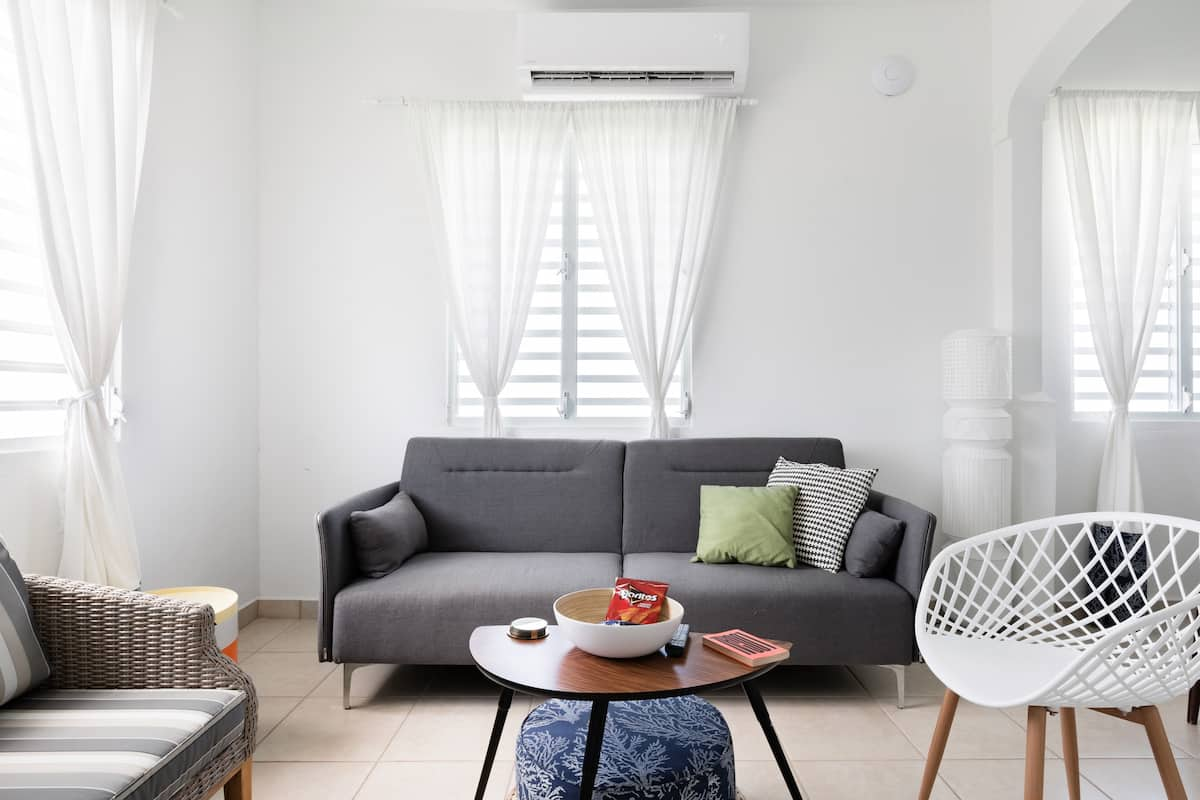 Remodeled 3-Story Apartment in Heart of Santurce