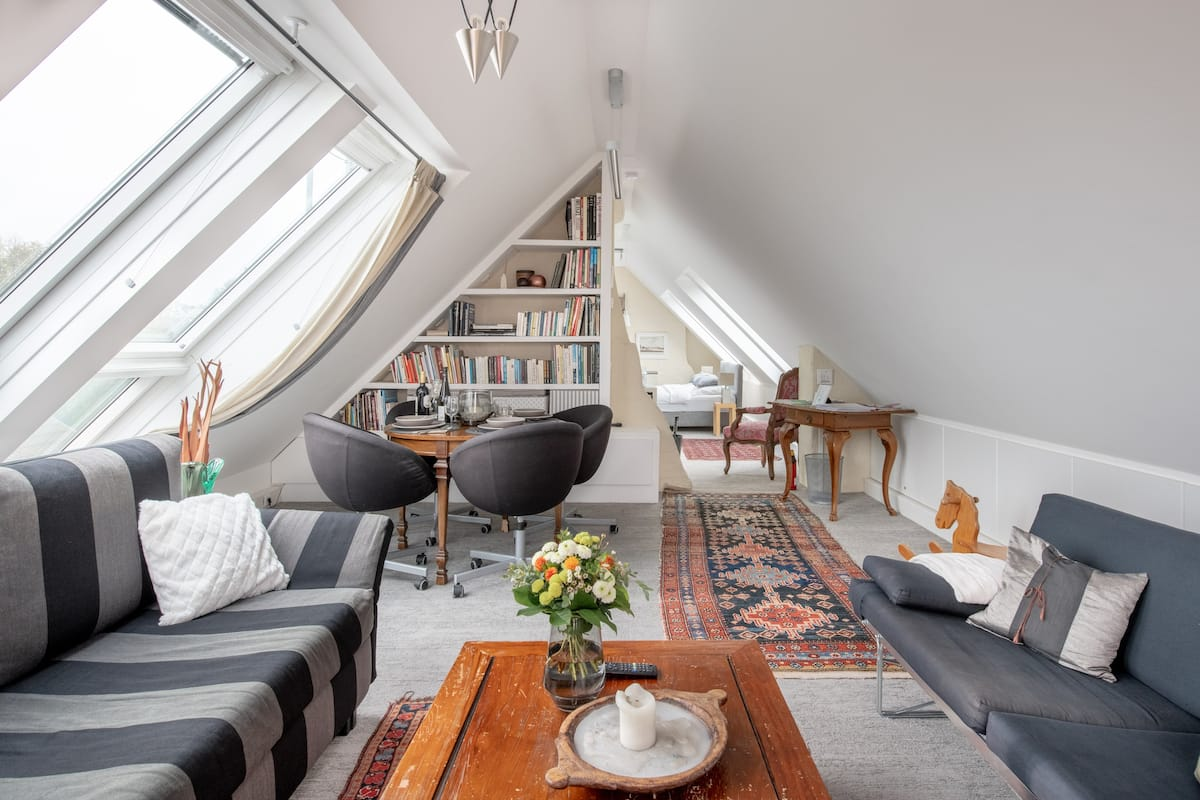 Vienna-Hights- Mansard Studio with Stunning Views of Vienna