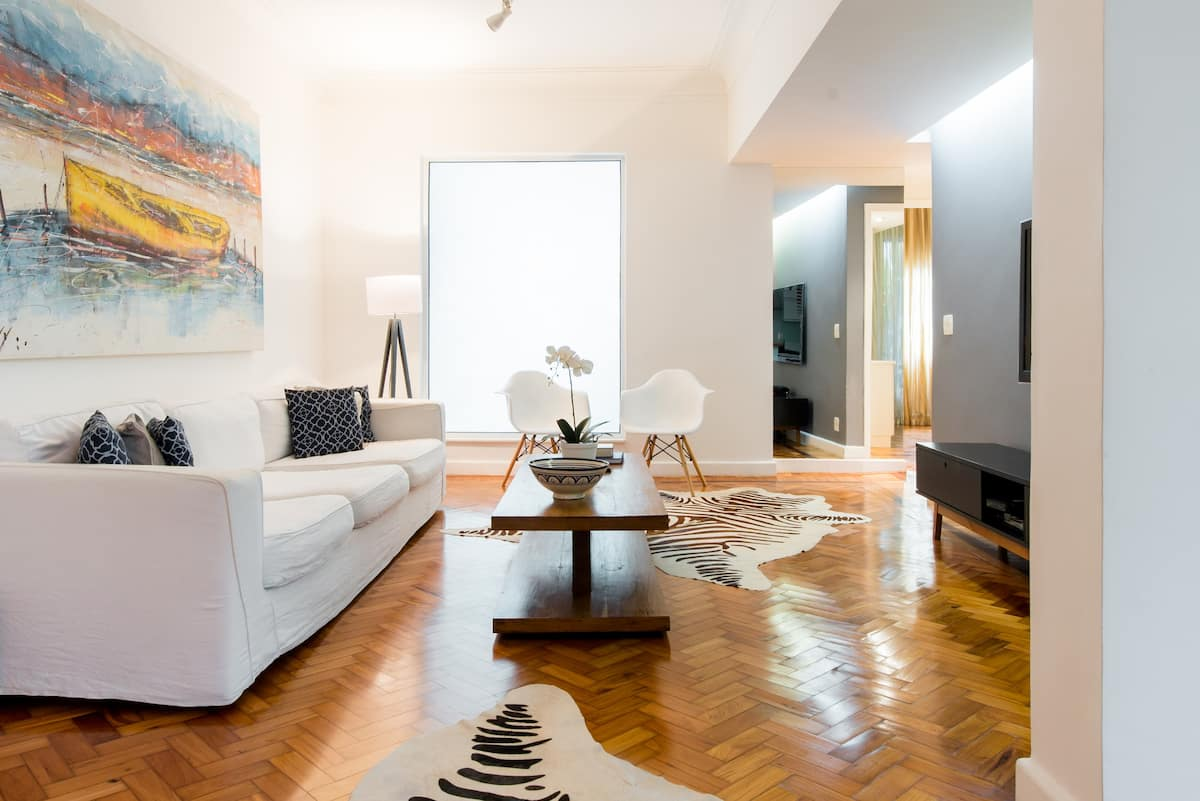 Lovely Garden Flat on Ipanema Beach Block