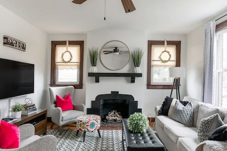 Take It Easy at an Urban Cottage Professionally Cleaned