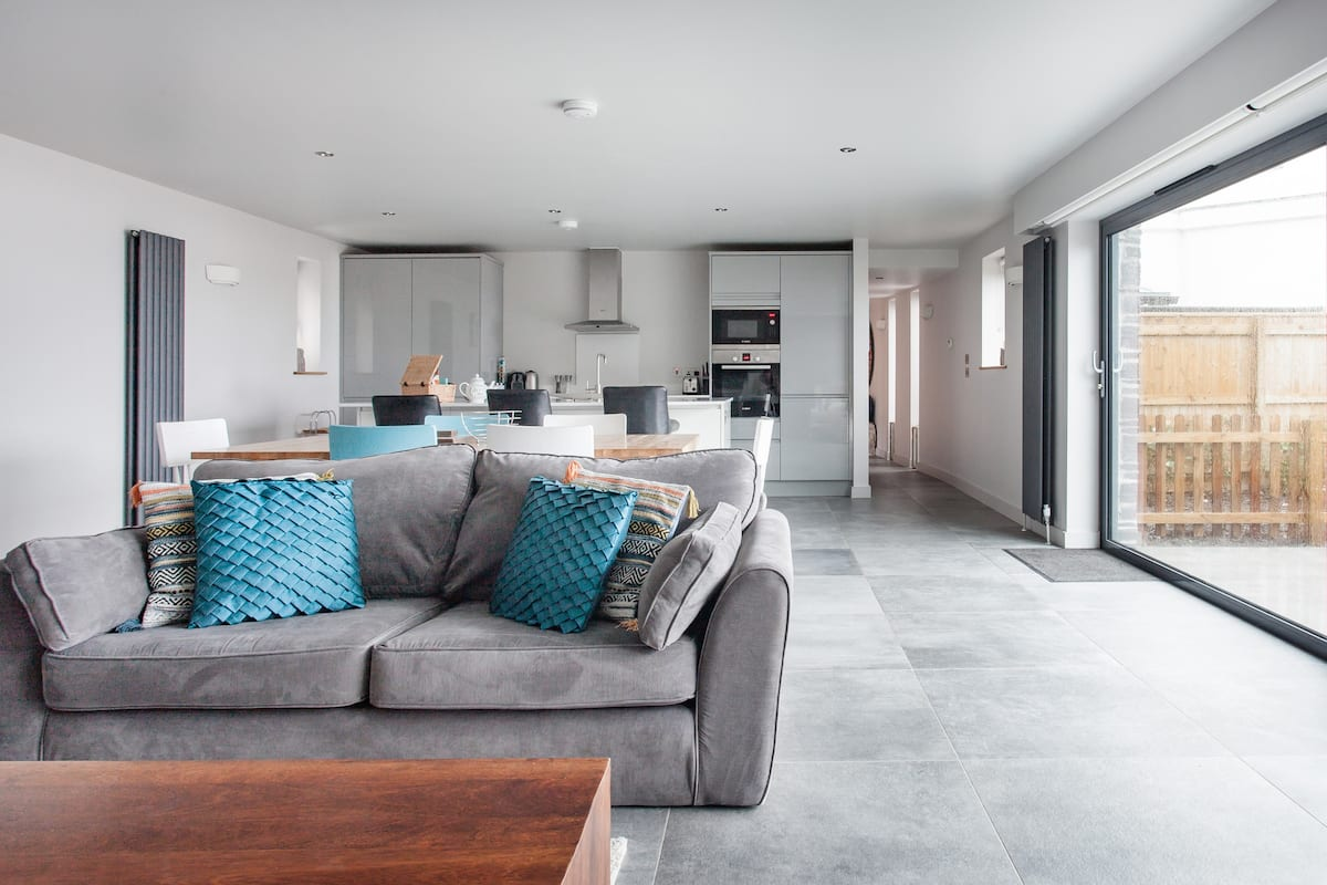 The View, Contemporary Apartment with Sea Views, Woolacombe