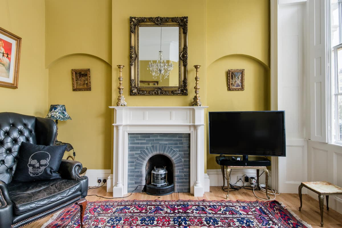 Classic Elegance. Regency Apartment with Contemporary Feel
