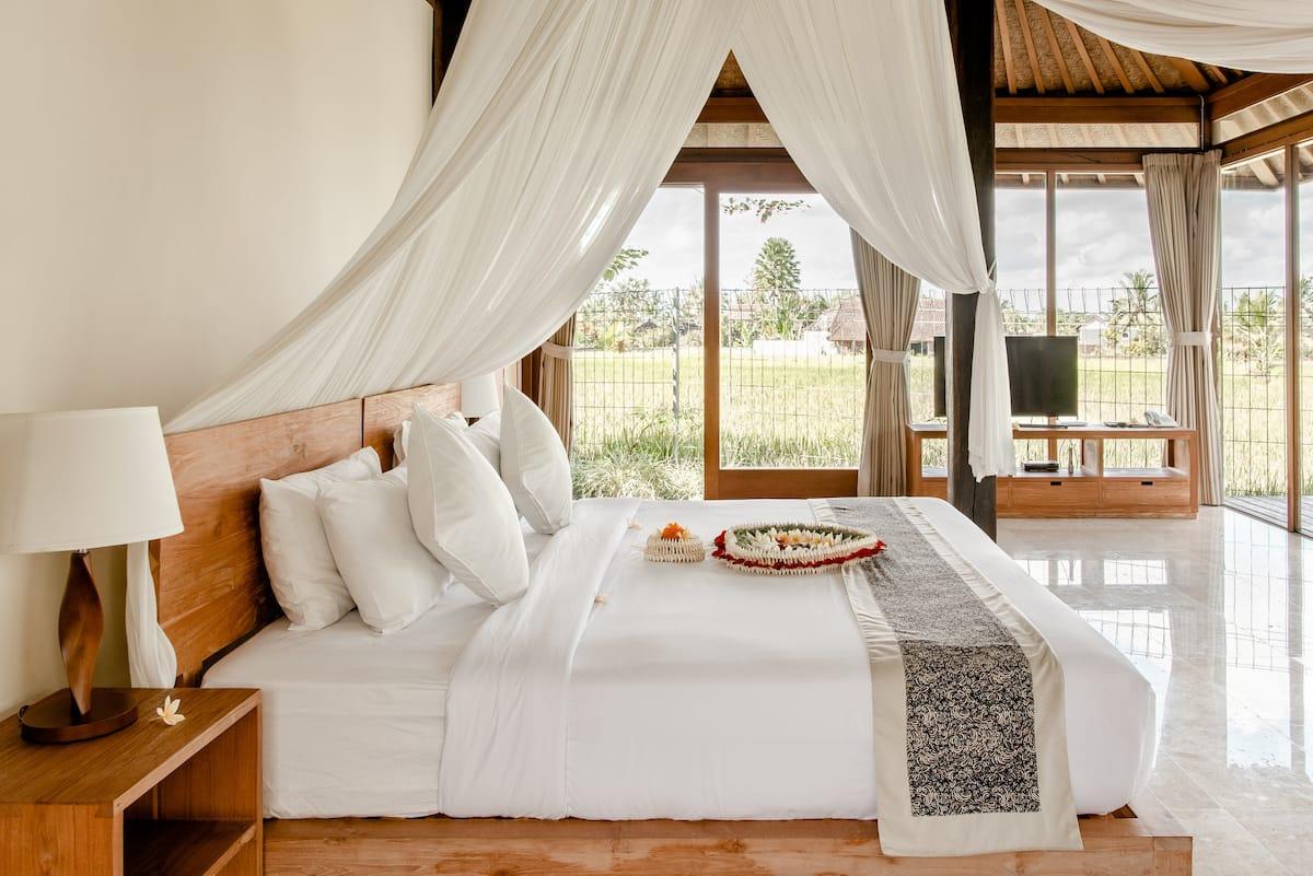 Kabinawa Private Villa Set Amidst Rice Fields