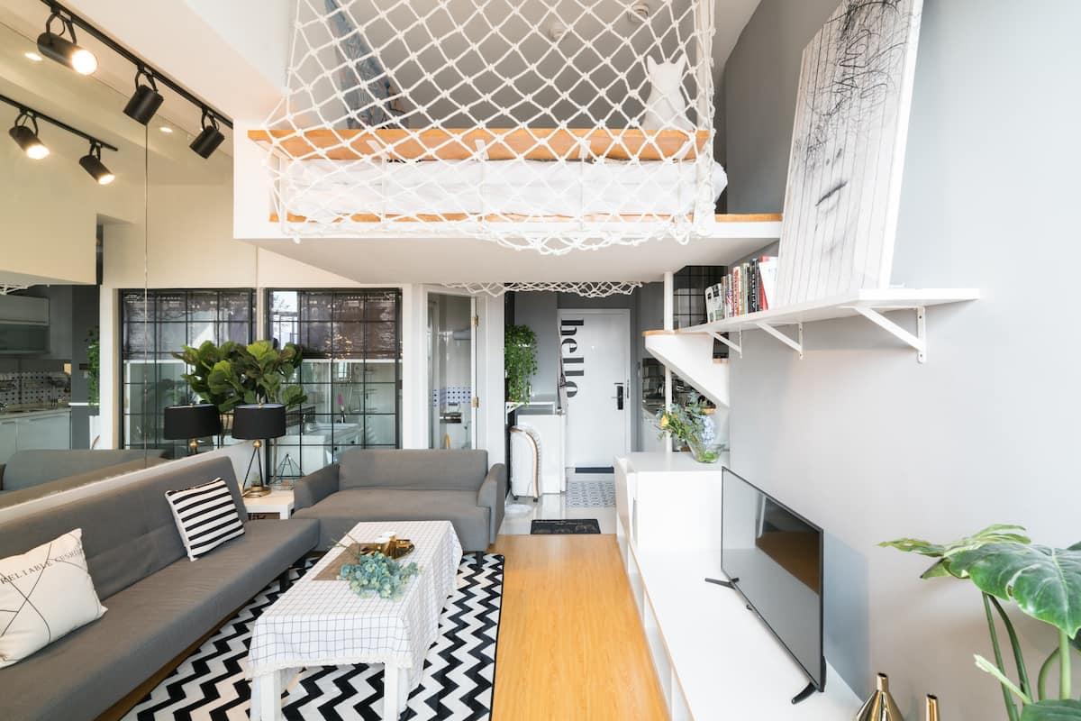 两岸-长租特惠,赏外滩江景的摩登复式Loft公寓,近地铁