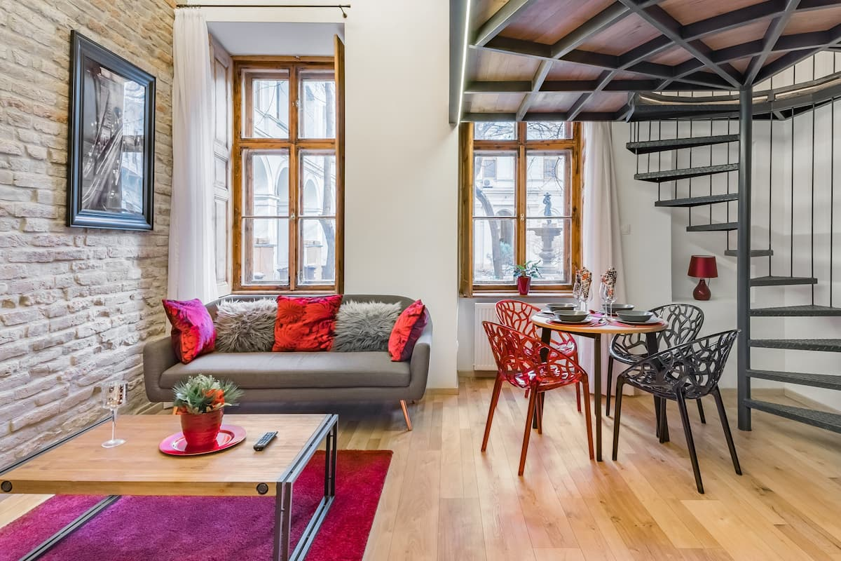 Rustic Designer Idyll in the Heart of Budapest
