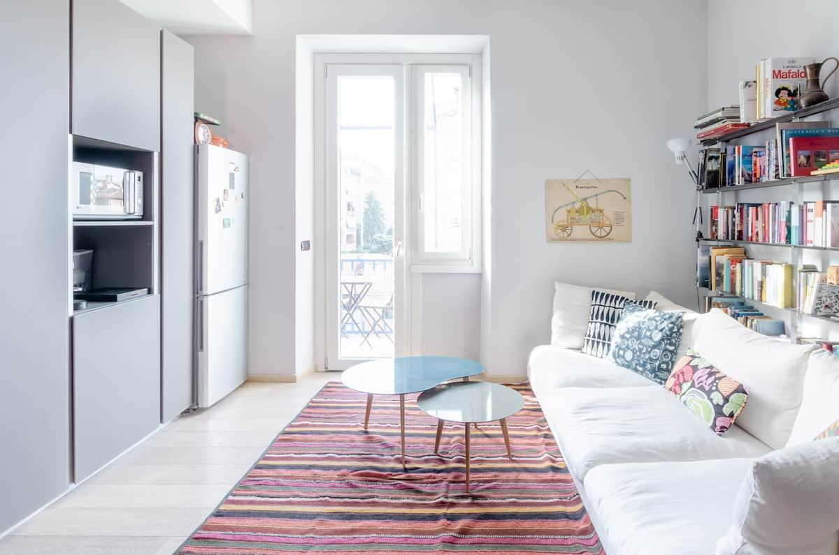 Garbatella Apartment With Panoramic Balcony Views