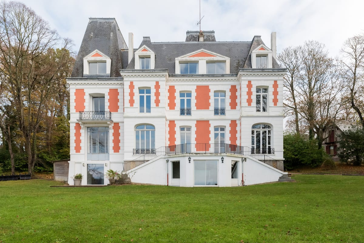 19th Century Ferns Chateau with Sweeping Sea Views