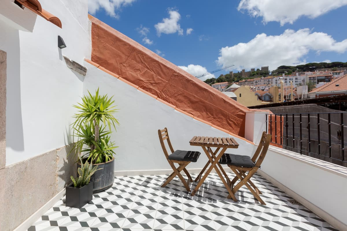 Amazing Loft & Terrace with Castle View at Baixa