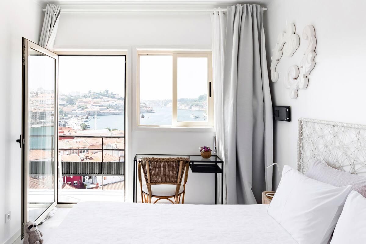 Vegan Top Floor Apartment- Porto and Douro Stunning Views