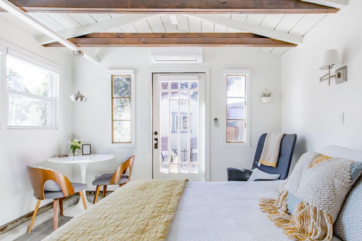 Enchanting Tiny House in Rockridge-Temescal