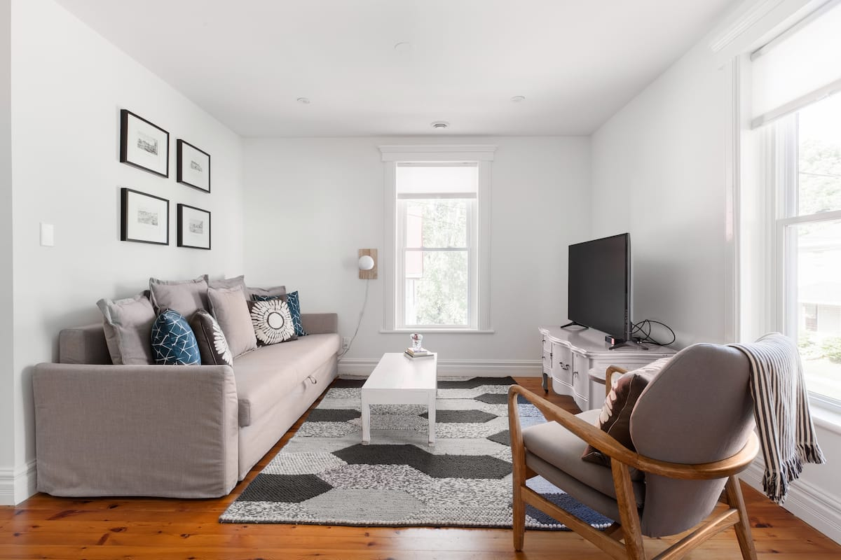 Fresh, Updated Century House in the Historic Town of Picton