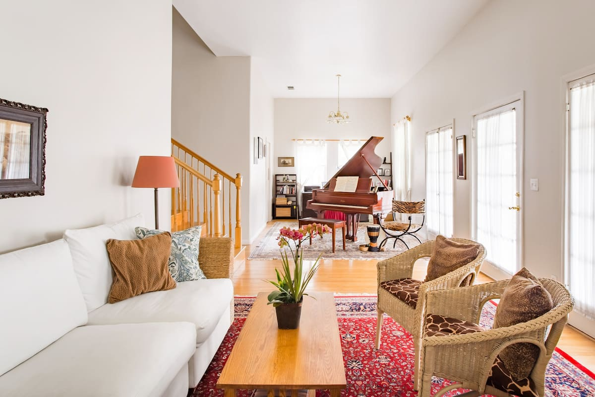 Charming Home with a Grand Piano in North Pasadena