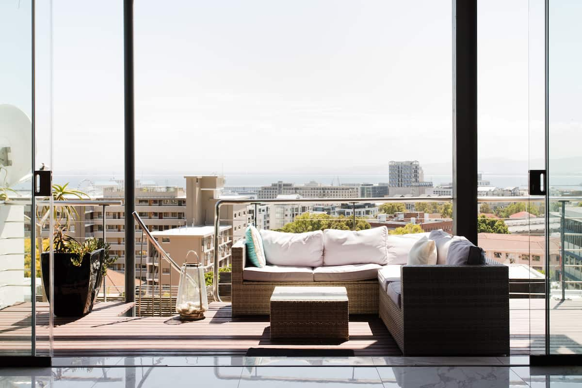 Relax in a Lavish Apartment with Private Terrace