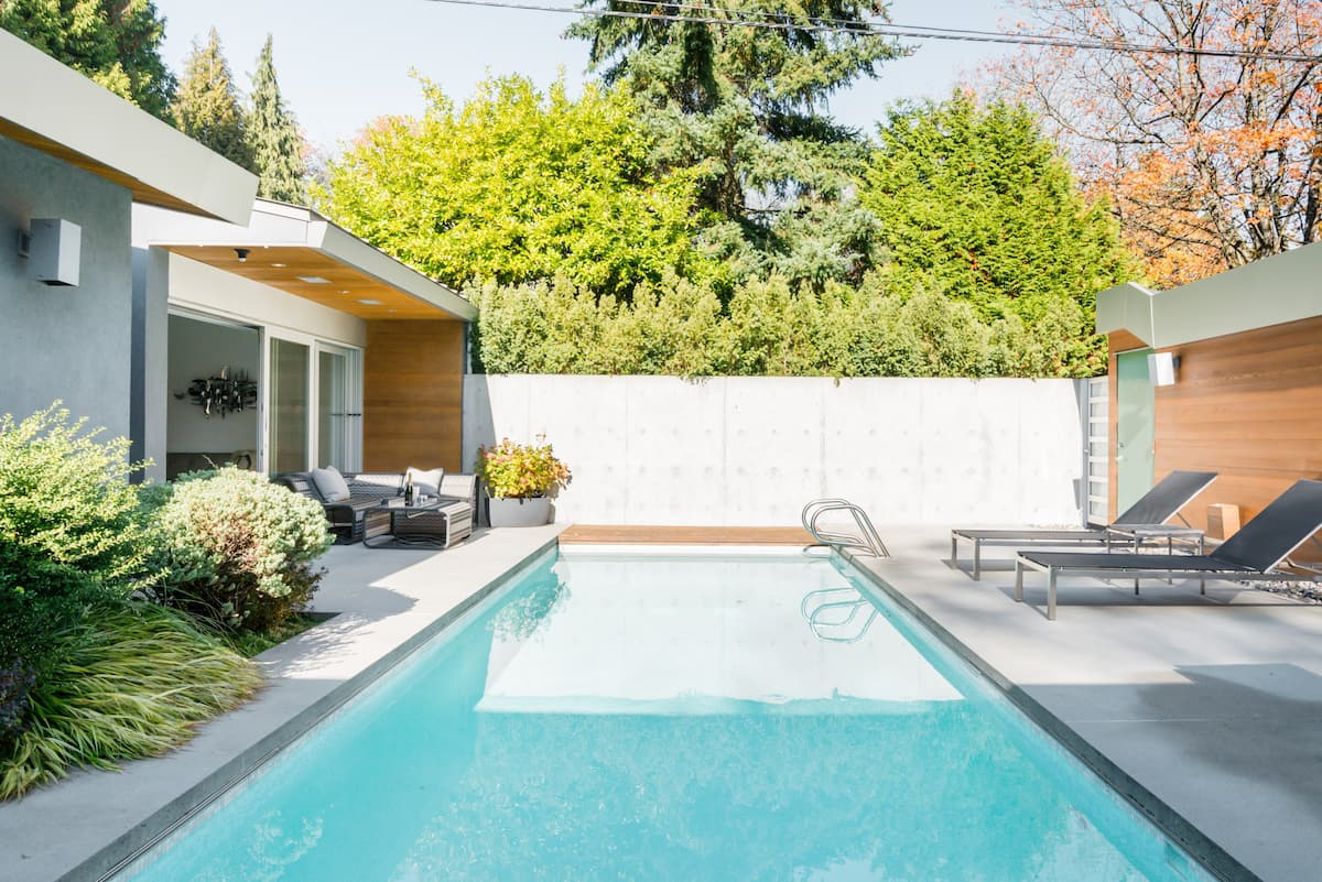 Separate & Private. Modern, Poolside Guesthouse with Mid Century Vibe.