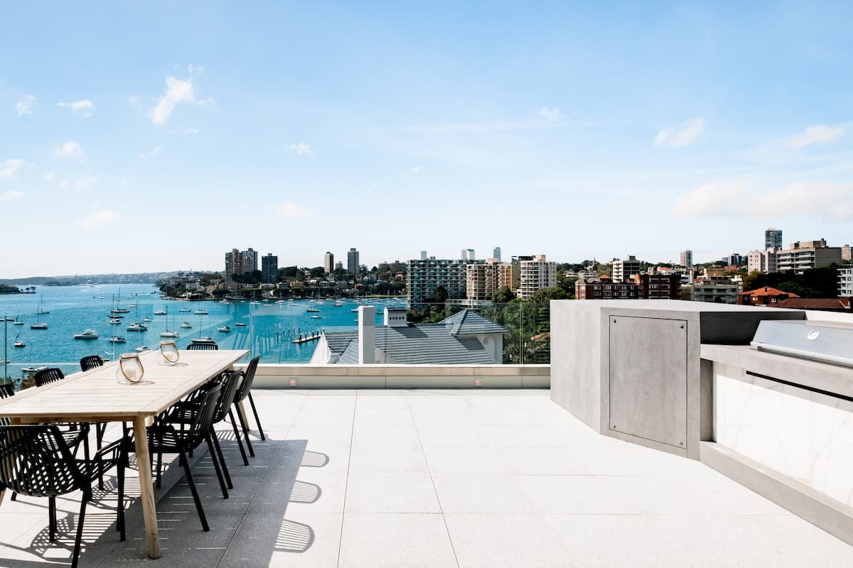 Stunning Harbour Views from a Hip Apartment in Potts Point