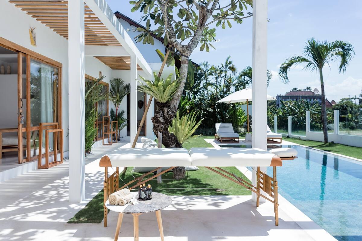 Sparkling Ultramodern Villa Close to Trendy Bars in Canggu