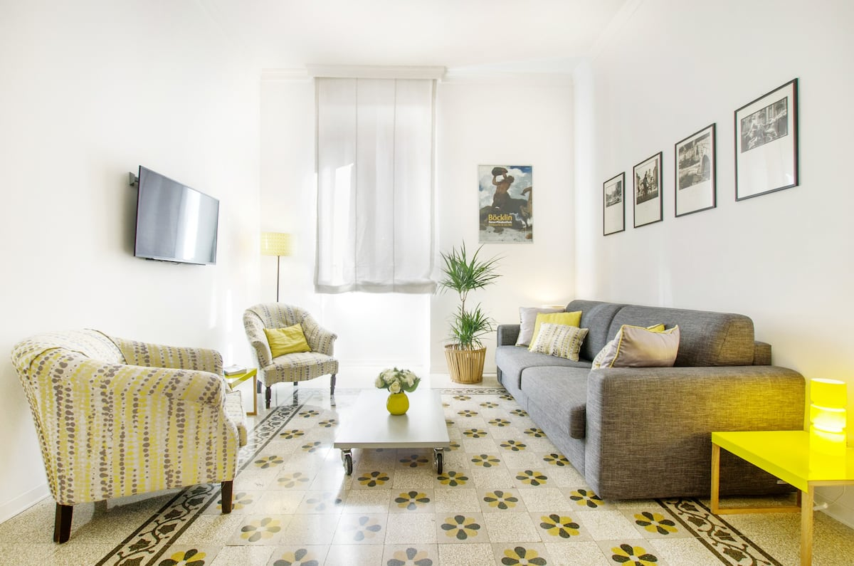 Feel at Home in This Charming, Central Appartamento