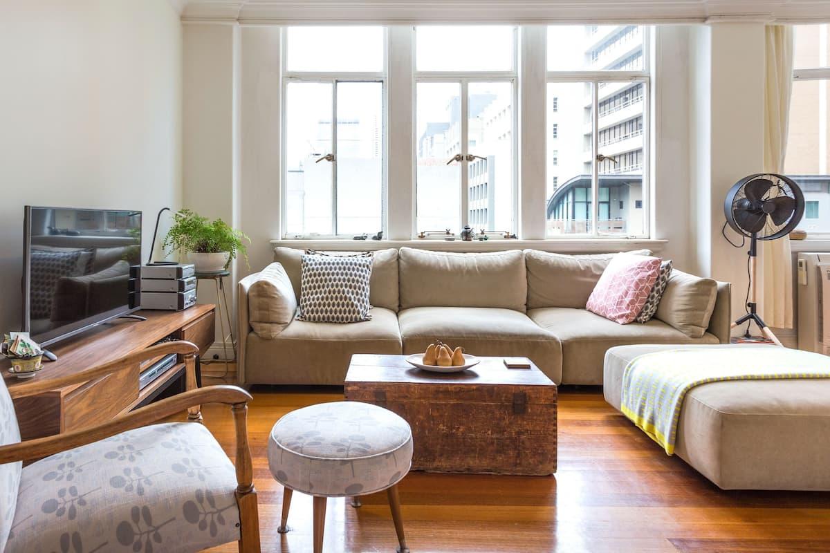 Spacious, Bright Apartment in CBD