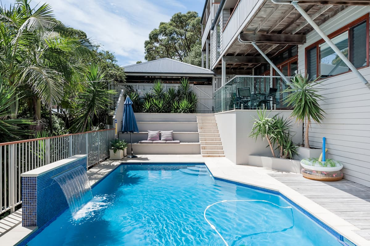 Guest Suite Moments to Surf Beach with Pool & Stunning Views